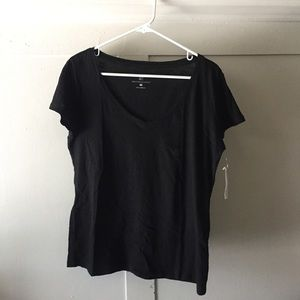 New York & Company Basic Black Scoop Neck T Shirt